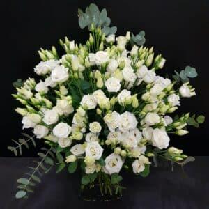 ramo de flores con lisianthus blanco 20 tallos