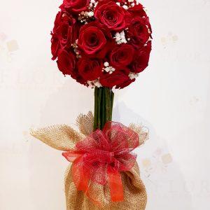 Arbol con rosas