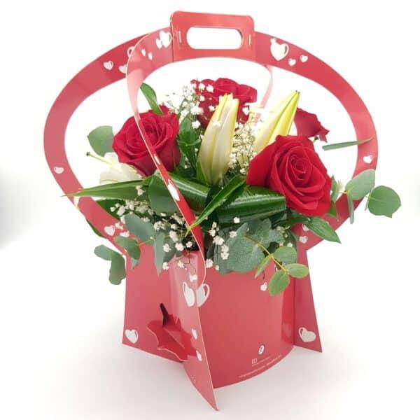 arreglo con rosas y lilium