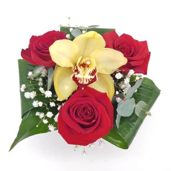 rosas y orquidea